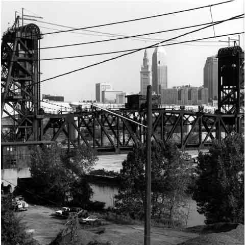Travel to the States, Cleveland Ohio, the Flats, view towards downtown with ancient bridge of steel, photo Paul Maurer