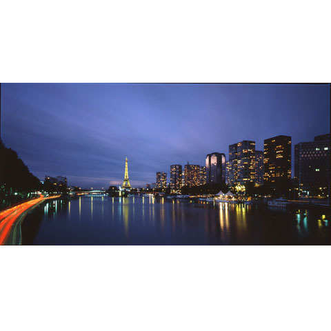 Night view of Beaugrenelle in Paris's 15th arrondissement overlooking river Seine, photo Paul Maurer